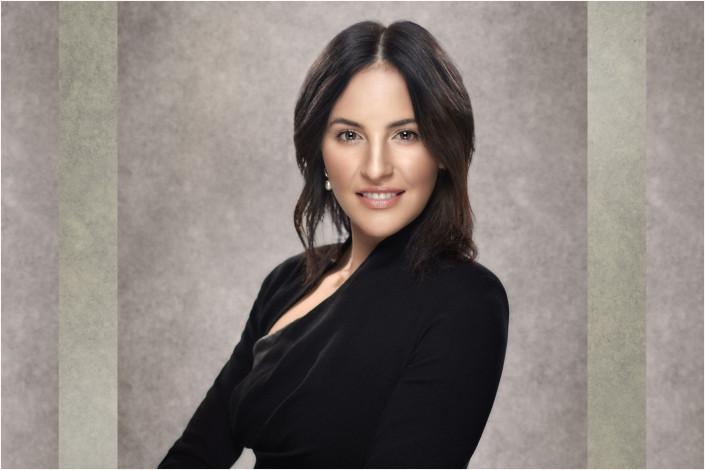 business portrait of lady in suit